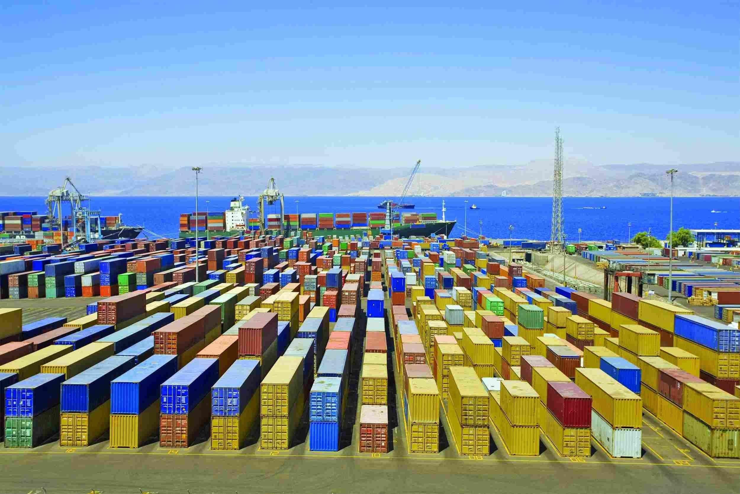 https://aubry-logistique.fr/wp-content/uploads/2015/09/Harbor-warehouse.jpg