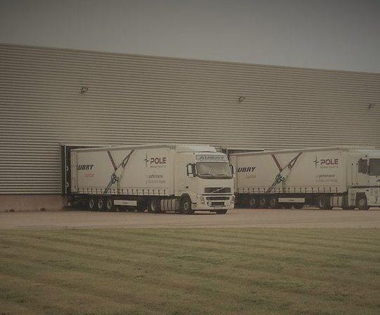 pole-truck-e1542643454662-540x448.jpg